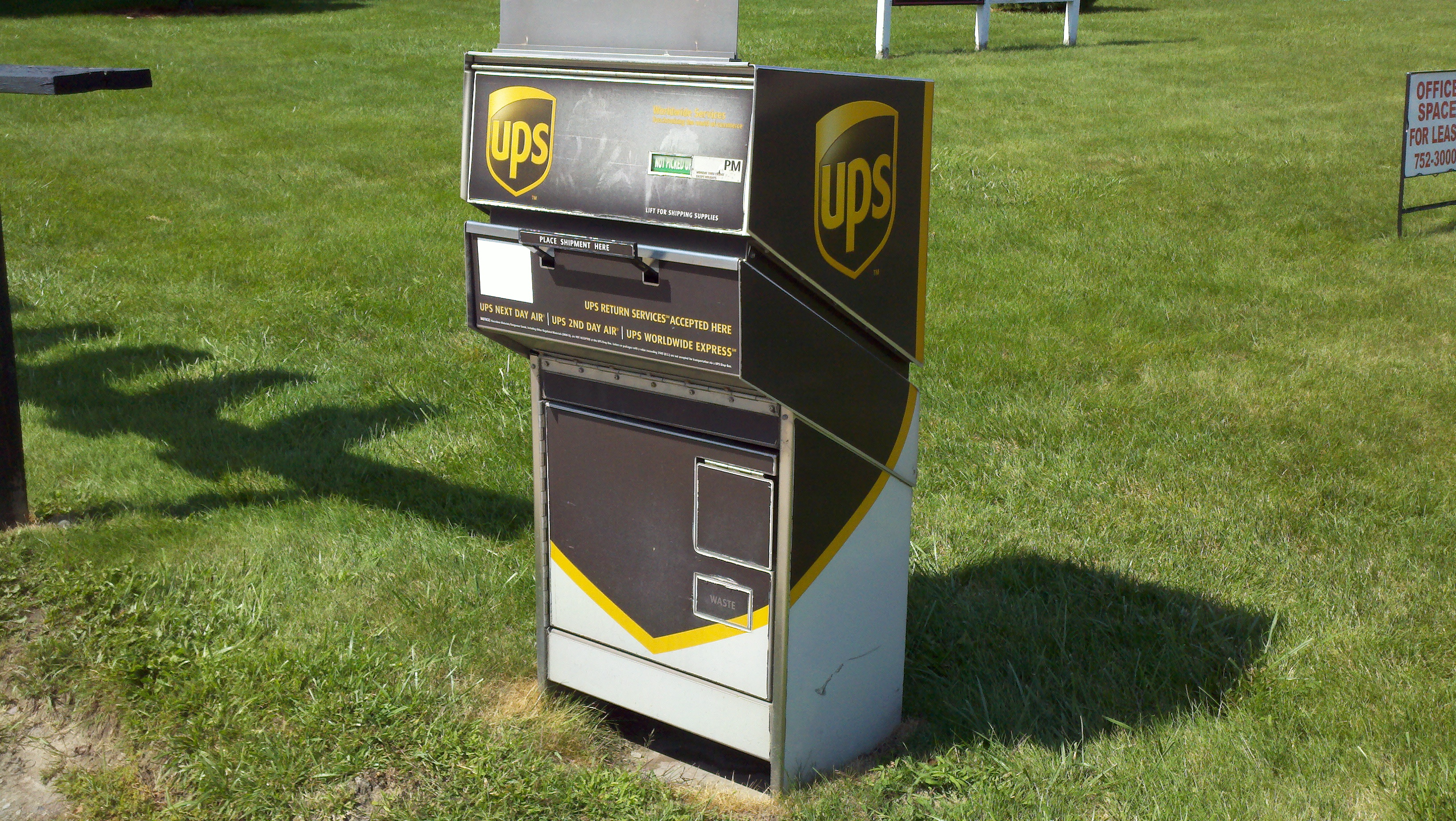 UPS drop box, ups drop off